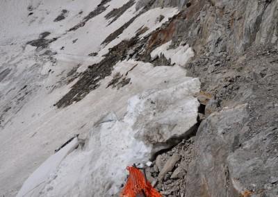 Eis und Schnee am Ende der alten Rampe. Anfang August