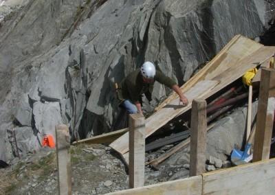 Vorbereitungsarbeiten am E-seitigen  Fundament